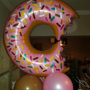 Ballon Ballonnen pilaar donut communie babyborrel Sint-Truiden Hoeselt